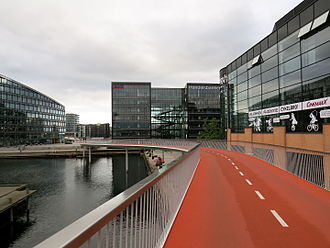 Cycling in Copenhagen - Cykelslangen, a dedicated cycling viaduct (near Dybbølsbro station)
