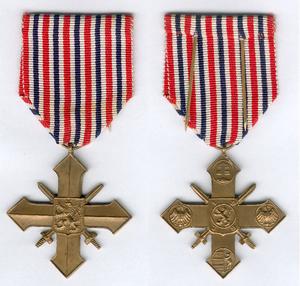 Czechoslovak War Cross 1939–1945 - Image: Czechoslovak War Cross 1939 1945