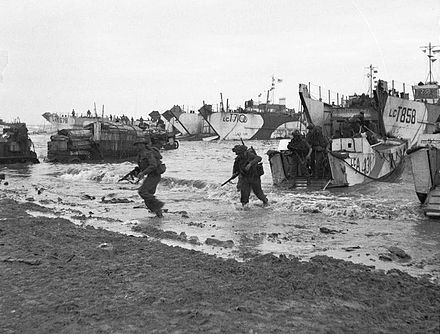 British troops come ashore at Jig Green sector, Gold Beach D-day - British Forces during the Invasion of Normandy 6 June 1944 B5246.jpg