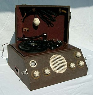 Wire recording - German Reichhalter Reporter W102 wire recorder (c. 1950).