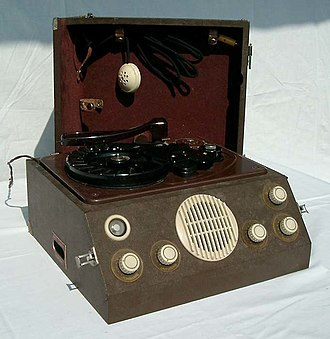 Wire recording - German Reichhalter Reporter W102 wire recorder (c. 1950).