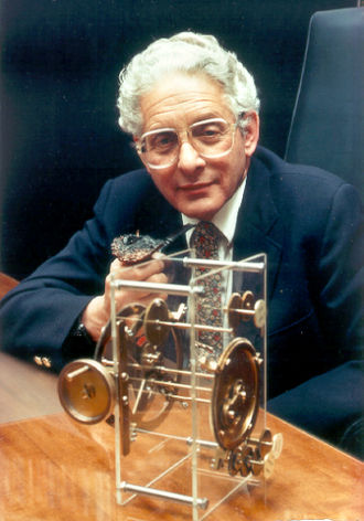 Antikythera mechanism - Derek J. de Solla Price (1922–1983) with a model of the Antikythera mechanism