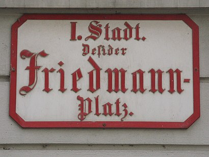 How to get to Desider-Friedmann-Platz with public transit - About the place
