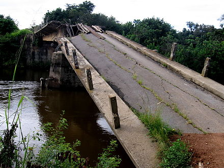 Destroyed road bridge in Angola, 2009 Destroyed bridge by Angolan civil war.JPG