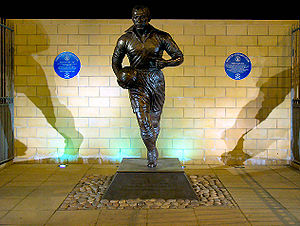 Sculpture of Everton and England forward Dixie Dean