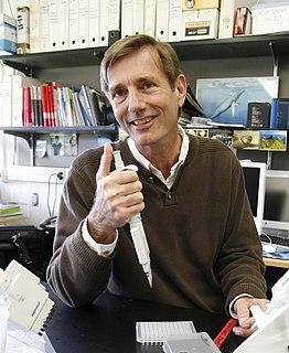 Scott Baker (marine biologist) biologist