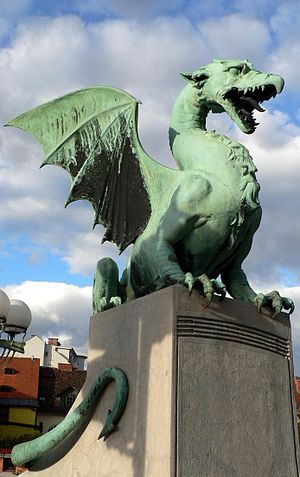 Dragon Bridge (Ljubljana) - Dragon statue on the bridge
