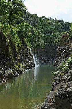 Edamalayar Beautiful Waterfall DSW.jpg