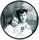 Edith Vanderbilt with daughter.jpg