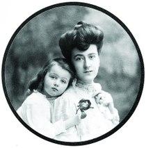 Edith Vanderbilt with daughter.jpg