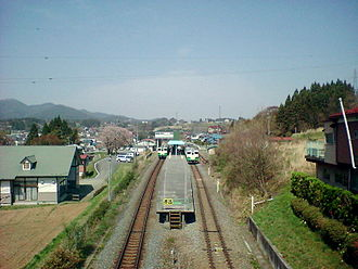 Kesennuma Line - North and southbound trains at Motoyoshi Station, April 2005