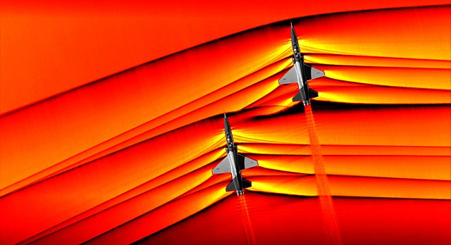 Schlierenfotografie bei einem Überschallflug image source