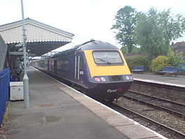 FGW Train at Evesham Station.jpg