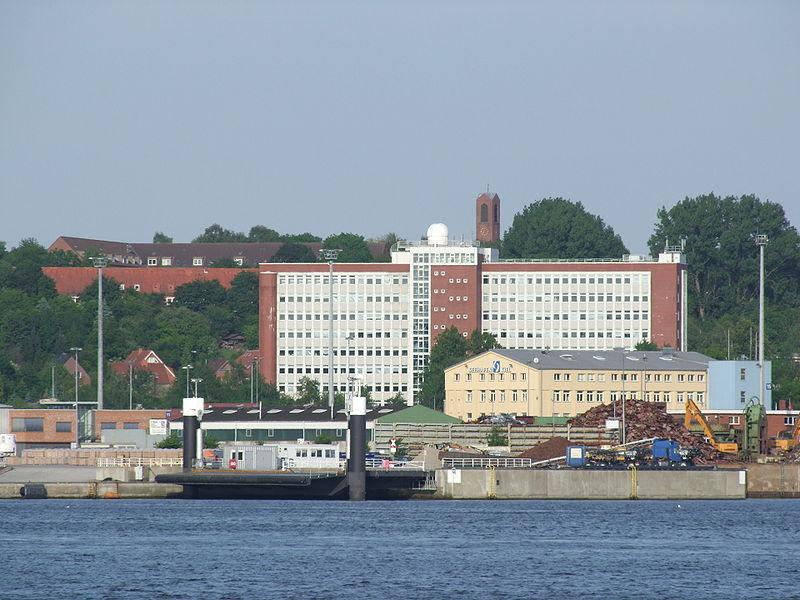 File:FH Kiel Hochhaus Förde.jpg