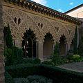 Fachada del pórtico sur, Patio de Sta. Isabel (Aljafería).jpg