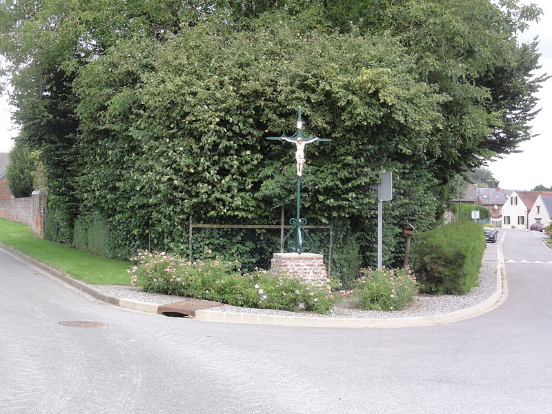 Fieulaine (Aisne) croix de chemin (fer)