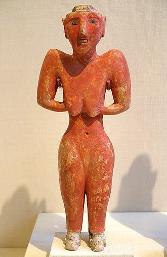 Ras al-Ayn - Image: Figurine from Fakhariyah (female), Tell Fakhariyah, Pre pottery Neolithic B, 9000 7000 BC, gypsum with bitumen and stone inlays Oriental Institute Museum, University of Chicago DSC07633