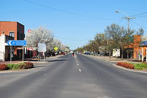 Finley, New South Wales - Murray Street (Newell Highway), the main street of Finley