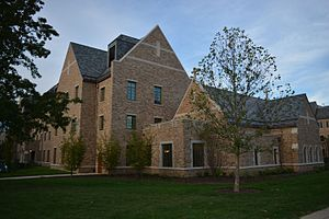 Flaherty Hall (University of Notre Dame) - Image: Flaherty Hall, chapel