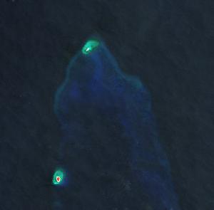 Flat Island (South China Sea) - Image: Flat Island & Nanshan Island, Spratly Islands