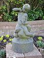 Flicka med gås av A Olin, skulptur i Malmö.jpg