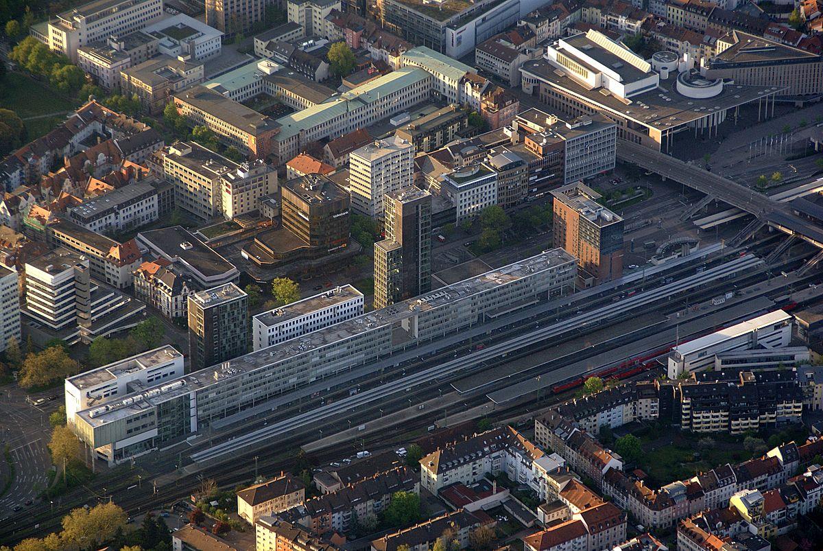 Freiburg Bahnhof-3.jpg