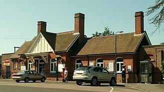 Frinton-on-Sea railway station - Image: Frinton on Sea railway station in 2006 (cropped)