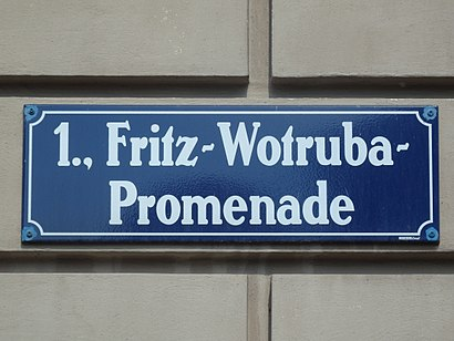 How to get to Fritz-Wotruba-Promenade with public transit - About the place
