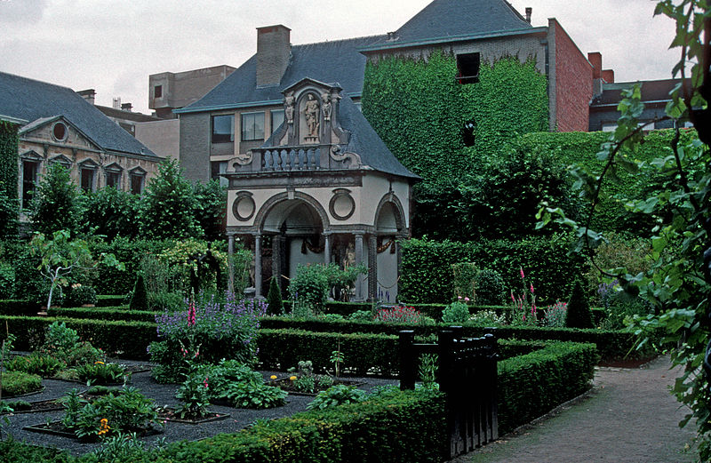 File:GARDENS IN THE RUBENS HOUSE - ANTWERP.jpg