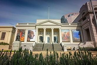 Geelong Art Gallery - Geelong Gallery from Johnstone Park