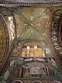 Gli splendidi interni mosaicati.jpg