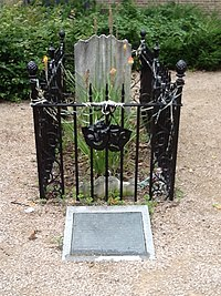 Grave of Joseph Grimaldi.jpg