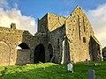 Graveyard, Hore Abbey, Caiseal, Éire - 45861593424.jpg
