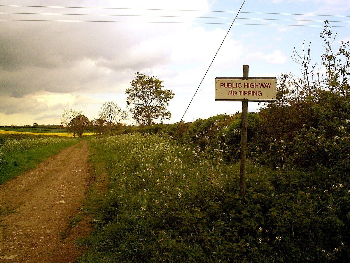 Green lane (road) - Wikipedia