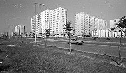 Győr, Marcalváros (Kun Béla lakótelep), Lajta út a Répce (Heszky Ezsébet) utca felé nézve. Fortepan 24976.jpg