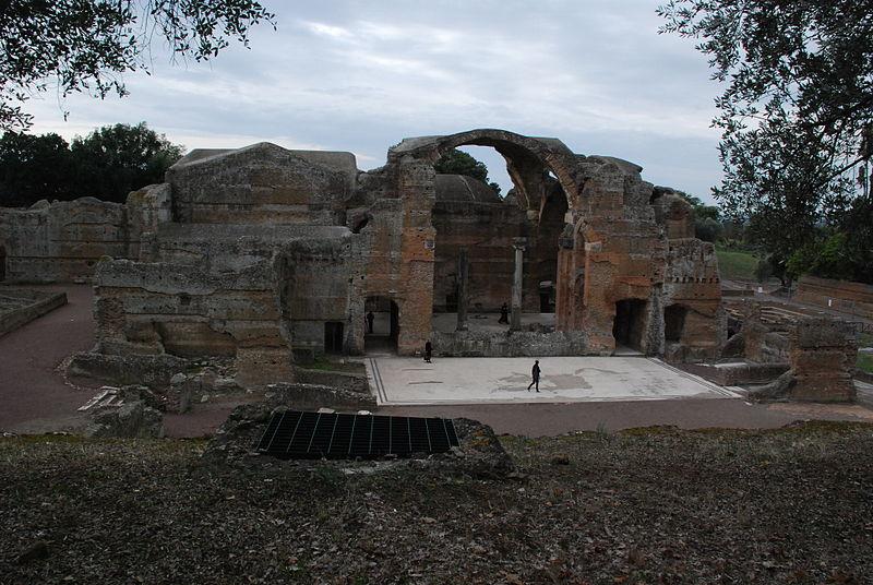 File:Hadrian's villa near Tivoli 228.JPG