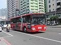 Han-Cheng Bus 586-FP on Kaohsiung Bus Circular Line 168E 20141010.jpg