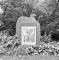 Het grafmonument voor directeur Coenraad Kerbert, van de Nieuwe Oosterbegraafplaats overgebracht naar de dierentuin - Amsterdam - 20281004 - RCE.jpg