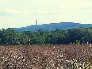 High Point mit High Point Monument von Greenville, New York aus gesehen