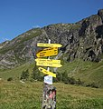 Hintertux - trail signs 3.jpg