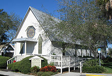 Holy Trinity Episcopal Church (Melbourne, Florida) Oblique View.jpg