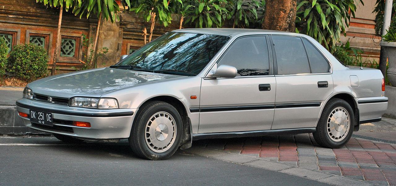 Honda Accord Sedan >> File:Honda Accord Maestro (front), Denpasar.jpg ...