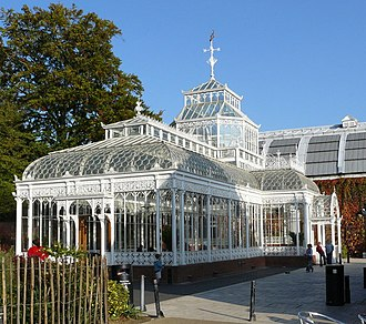 Conservatory (greenhouse) - A traditional conservatory at the Horniman Museum in London