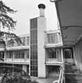 Hotelgedeelte, balkons met liftgebouw - Hilversum - 20341406 - RCE.jpg