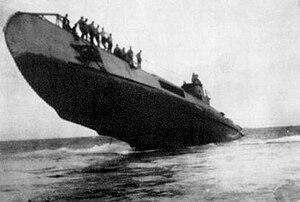 USS Cod - HNLMS O 19 stuck on Ladd reef