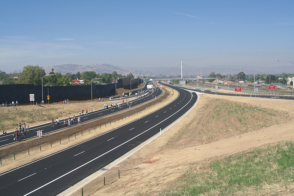 Hume Highway bypass in Albury 01