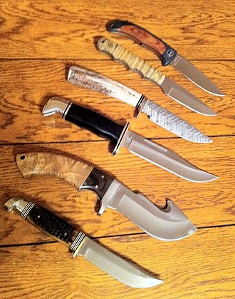 Hunting knife - An assortment of hunting knives