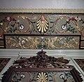 Interieur, detail van beschilderd stucwerk in de Drakenkamer - Oegstgeest - 20383692 - RCE.jpg