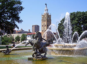 Henri-Léon Gréber - J.C. Nichols Memorial Fountain by Henri-Léon Gréber in Kansas City, Missouri