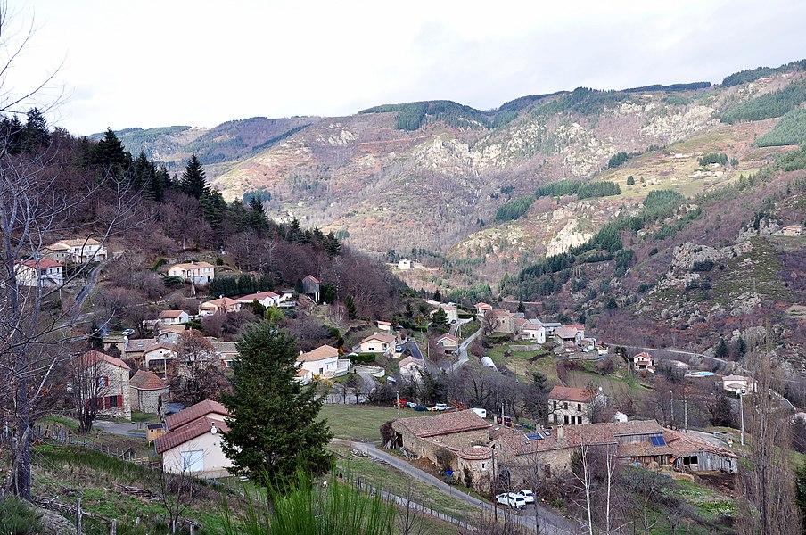 Village de Jaunac depuis l'église Saint-Pierre.